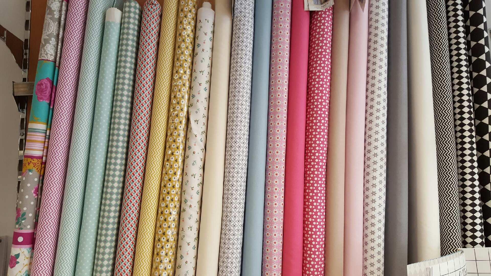 tissus et coupons pontchat 39 laine. Black Bedroom Furniture Sets. Home Design Ideas